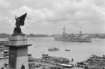 USS Augusta moored in the Huangpu River near the Allied War Memorial in the Bund area of Shanghai, China, Aug-Sep 1937; the statue and the side panels were destroyed by Shanghai city administration in Sep 1943 under Japanese pressure