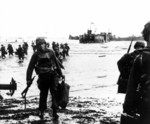 American soldiers coming ashore at Utah Beach, Normandy, France, 6 Jun 1944