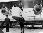 Lieutenant Colonel Pierre van Ryneveld and First Lieutenant Quinton Brand posing before Vimy aircraft