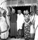 Chiang Kaishek, Song Meiling, and Mohandas Gandhi, India, 18 Feb 1942, photo 2 of 4