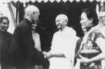 Chiang Kaishek, Song Meiling, and Mohandas Gandhi, India, 18 Feb 1942, photo 4 of 4
