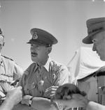 Lieutenant General Oliver Leese speaking with his divisional commanders, North Africa, 1942-1943