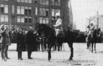 Mayor J. von Haartman greeting General Mannerheim at Helsinki, Finland, 16 May 1918