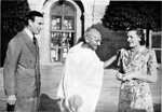 Viceroy of India Louis Mountbatten, Mahatma Gandhi, and Lady Edwina Mountbatten, Government House, New Delhi, India, 1947, photo 3 of 4
