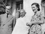 Viceroy of India Louis Mountbatten, Mahatma Gandhi, and Lady Edwina Mountbatten, Government House, New Delhi, India, 1947, photo 1 of 4