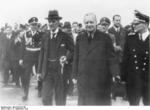 München police chief Friedrich Karl von Eberstein, British Prime Minister Neville Chamberlain, and German Foreign Minister Joachim von Ribbentrop at München airport, Germany, 15 Sep 1938; München mayor Karl Fiehler in background