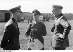 Hans von Greiffenberg and Maximilian von Weichs speaking to a colonel in Russia, fall 1942