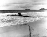 Ha-19 beached on Oahu, US Territory of Hawaii, 8 Dec 1941, photo 1 of 7