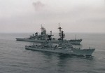 West German guided missile destroyer Mölders and US battleship USS Iowa in the Baltic Sea, 1 Oct 1985