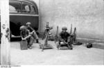 German paratroopers with 8 cm GrW 34 mortar, Italy, 1943