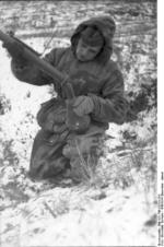 German soldier with Panzerfaust, southern Ukraine, Dec 1943-Jan 1944, photo 2 of 2
